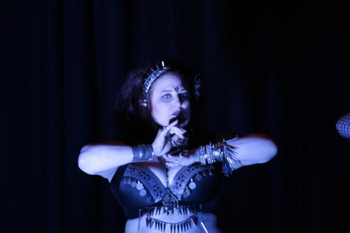 Performing with Tanzhexen at Jewel of Yorkshire. Photo by Violet Ann.