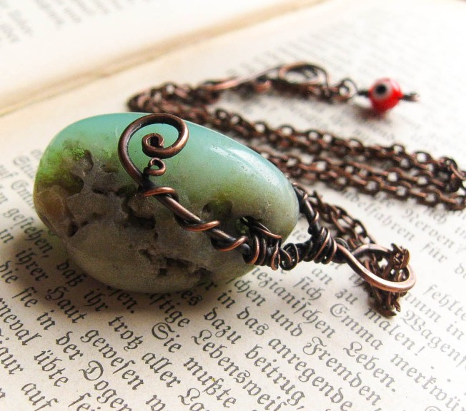 Sudri, the Chrysoprase pendant from the Sindri's Forge collection at Feralstrumpet.co.uk